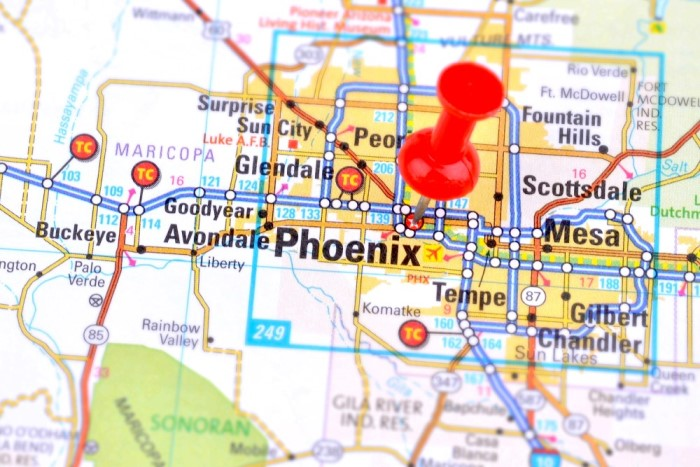 Living in Phoenix Arizona real estate