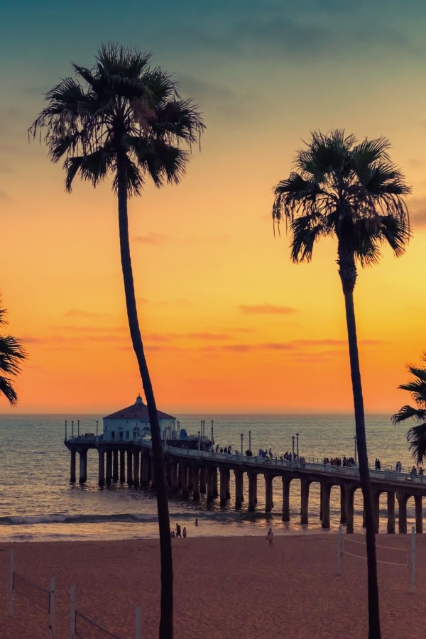 CA beach at sunset, Living in Arizona vs California, Living in Phoenix real estate (14)