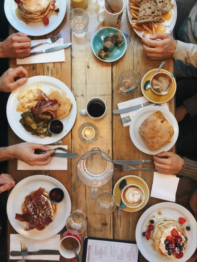 Eating out in Phoeniz, Pros and Cons of Living in Phoenix AZ, AZ Home Source realty (1)