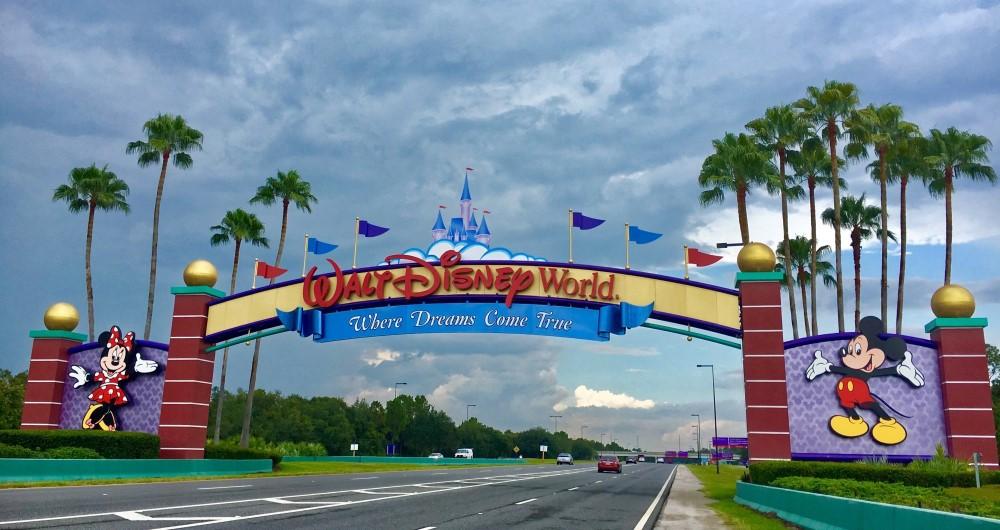 Disneyworld entrance sign, Living in Phoenix vs Florida, Living in Phoenix real estate (13)