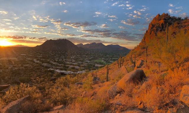 Scottsdale at dusk, Pros & Cons of Living in Scottsdale, Living in Phoenix real estate, lisa-campbell-rSAuAxyDVsw-unsplash