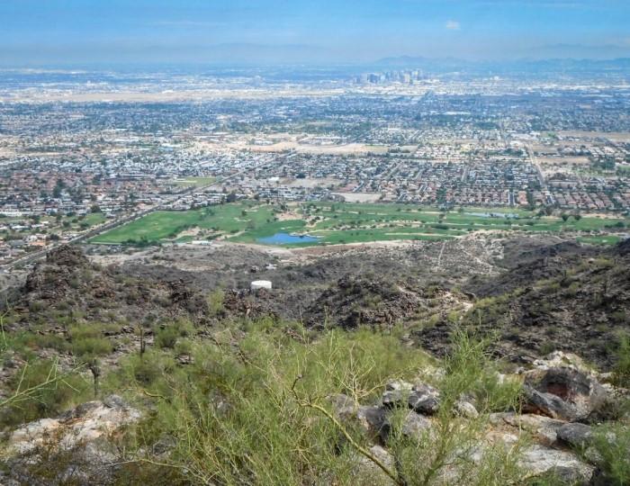 aerial view of Phoenix, safest neighborhoods in Phoenix.