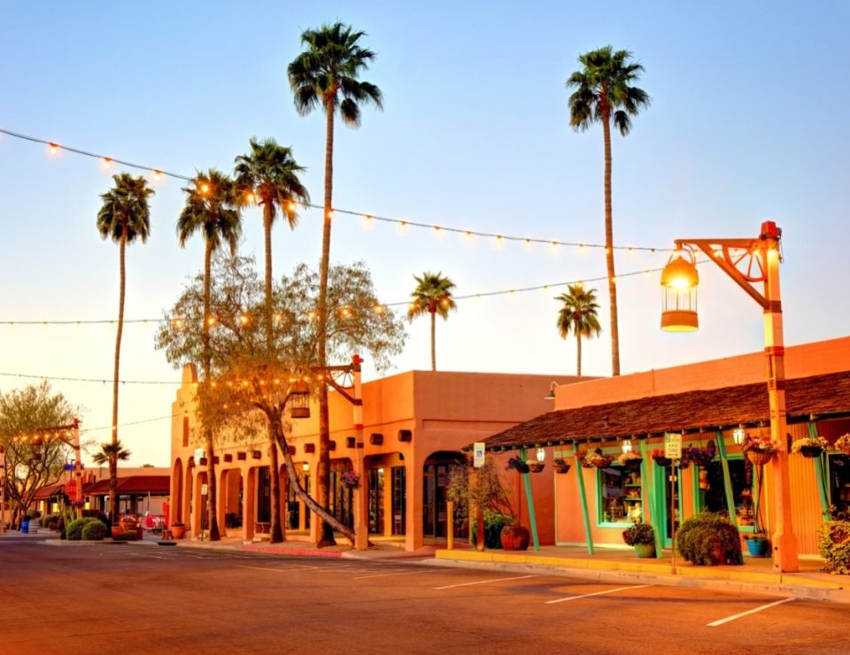 Old Town Scottsdale in the evening, Living in Scottsdale vs Chandler Arizona