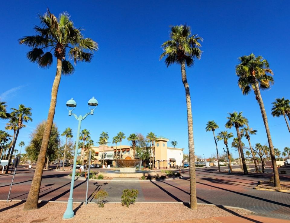 image of downtown Gilberts town square, Pros and Cons of Living in Gilbert, Arizona